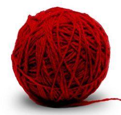 Клубок красной шерсти